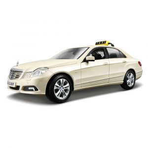 "Автомодель ""Mercedes-Benz E-Class German Taxi"", Maisto"